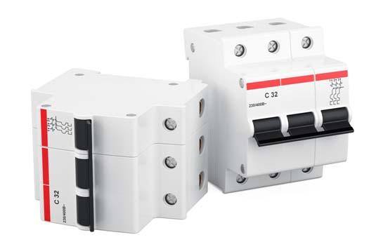 提供不同尺寸和配置的断路器